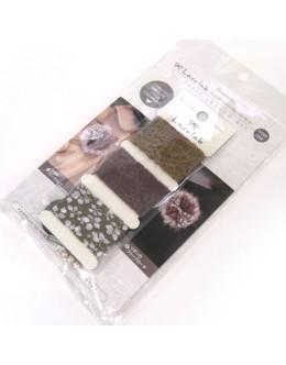 Hamanaka H902-309 Laco Lab Lace Ruffle Pom Pom kit