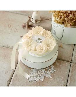 Hamanaka H431-155 Juno Ring Pillow Lace Flower Sewing Kit